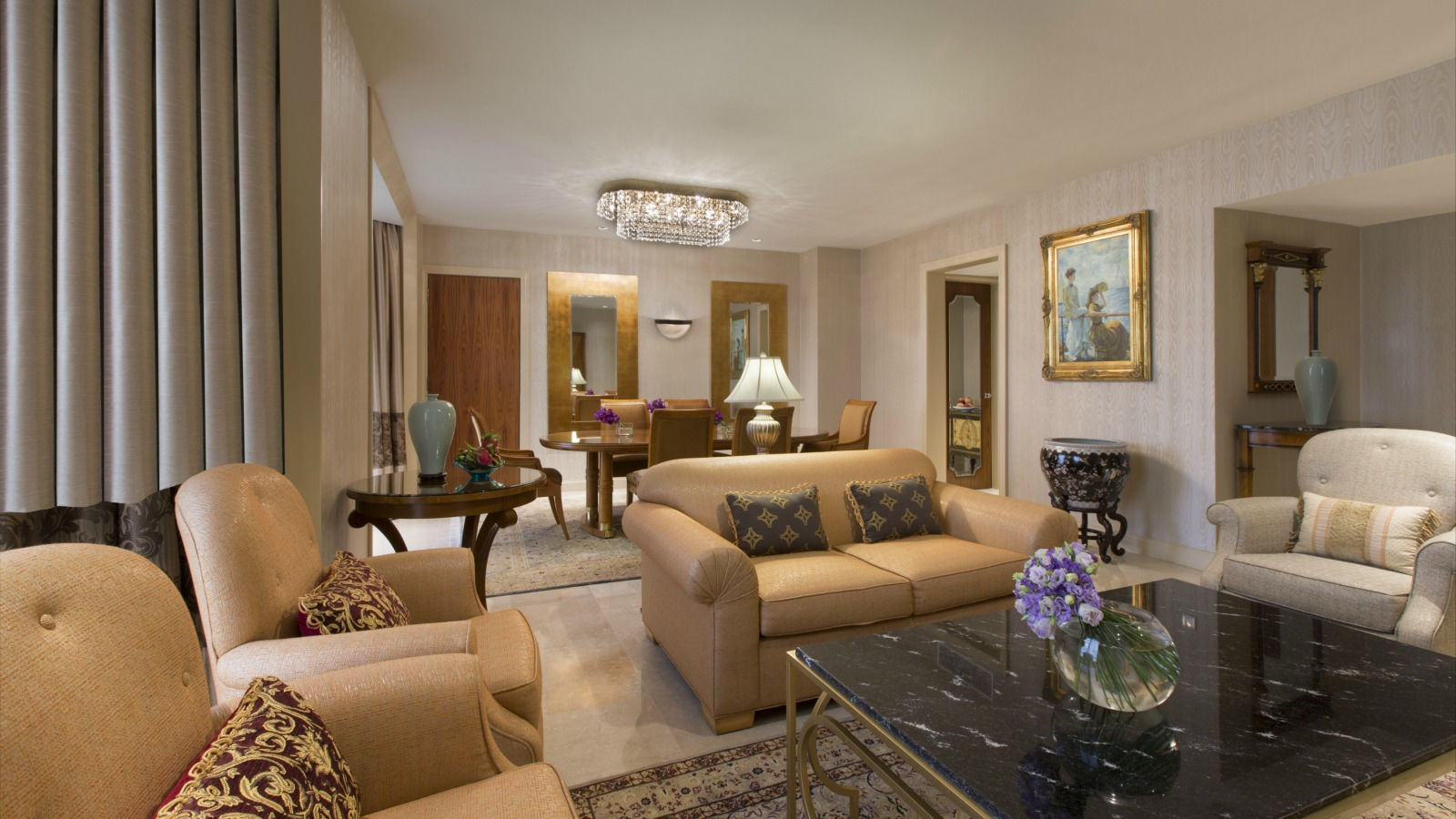 Royal Suite - Monaco Lounge